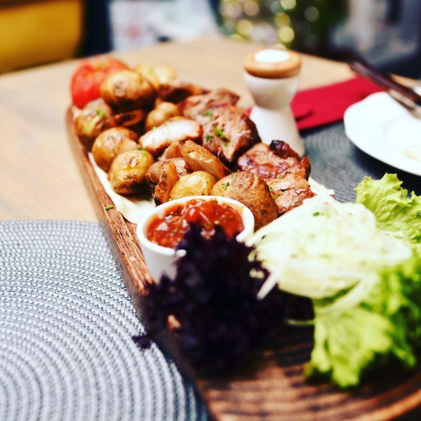 Картошечка запечённая с салом.