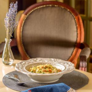 Тальятелле с филе из белой рыбы и овощами